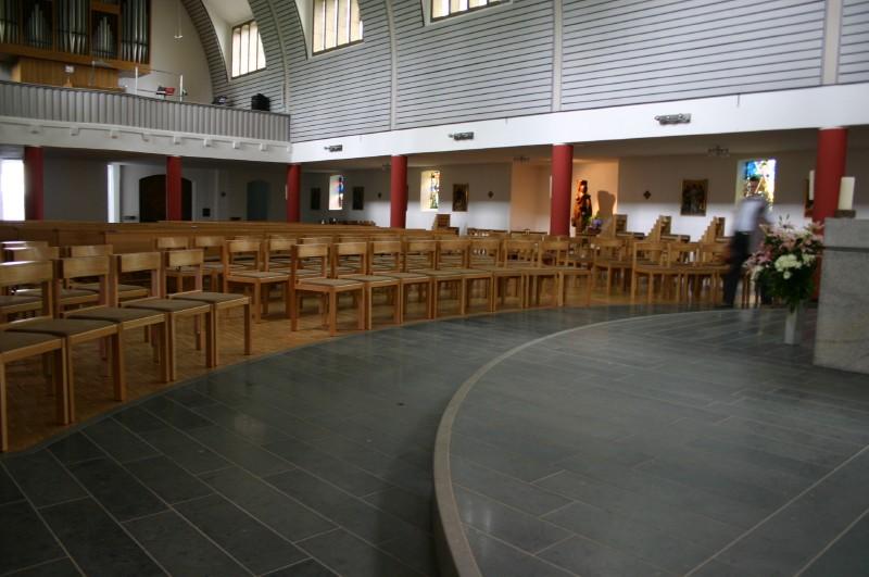 Kirchenstuhle Gebruder Hauser Kirchengestuhl Kirchenbanke